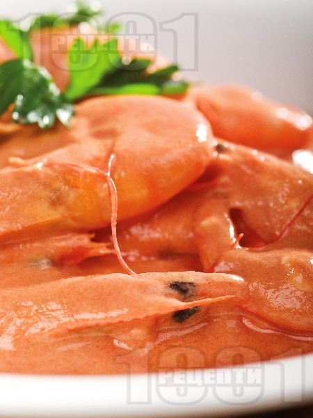 Скариди със сирене фета, зехтин и доматен сос по гръцки - снимка на рецептата